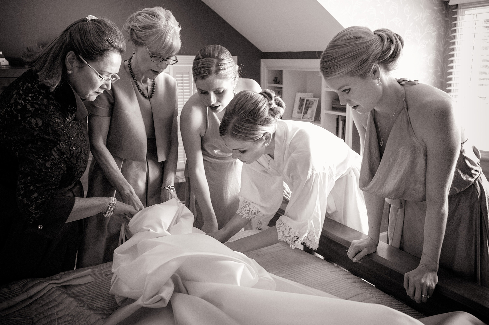 Getting ready by Traverse City Wedding Photographer Thomas Kachadurian