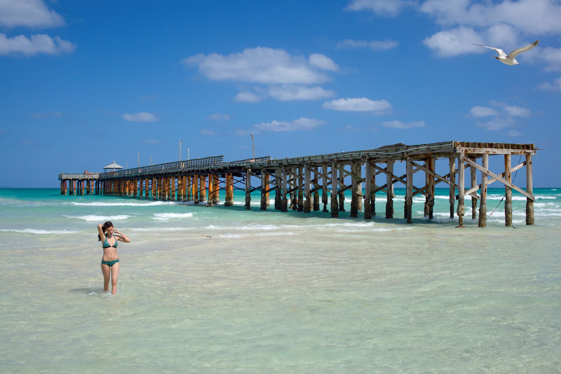 Sunny Isles, Florida by photographer Thomas Kachadurian